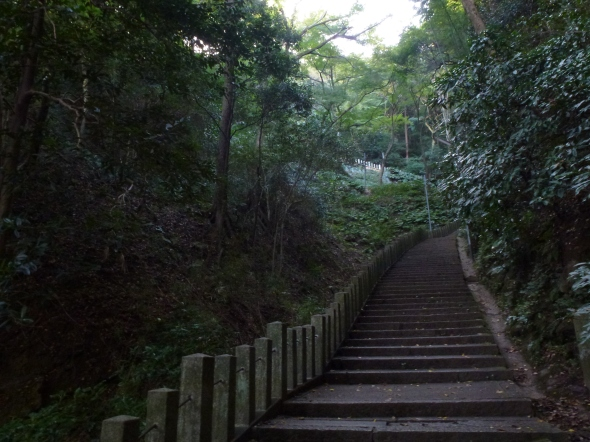 Otokoyama may be small at just over 100 meters, but it's actually pretty steep.