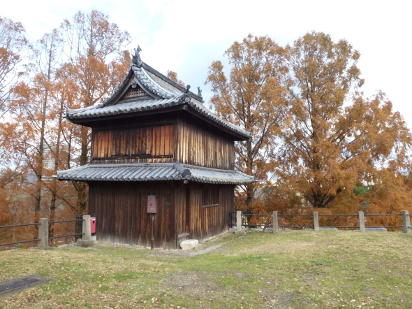This small, humble guard tower survives on the upper fortifications, having been moved off-site to a temple in Kitakyushu for most of the 20th century.